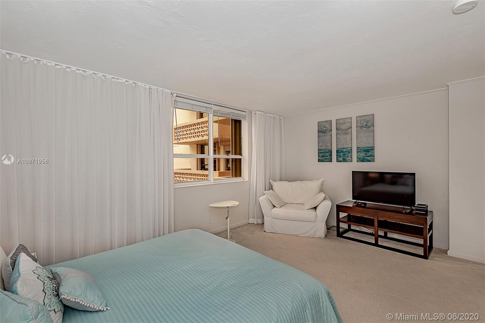 10185 Collins Ave #1209 photo023