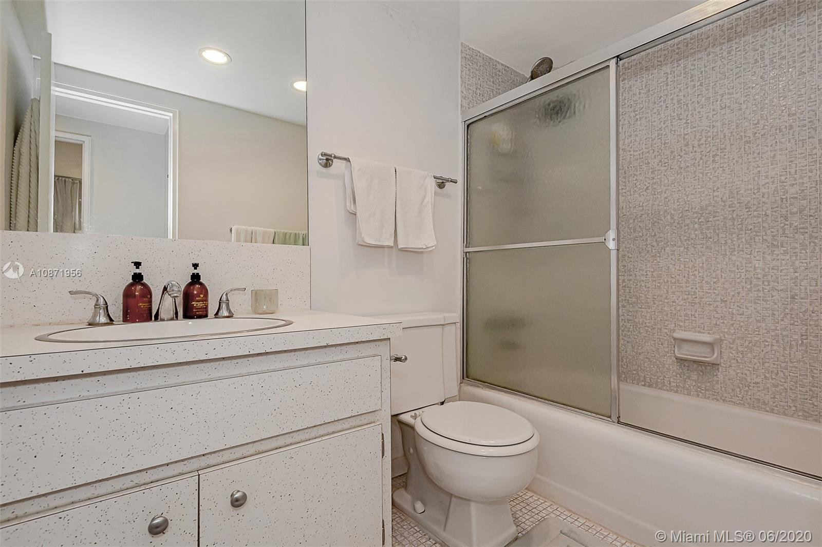 10185 Collins Ave #1209 photo027