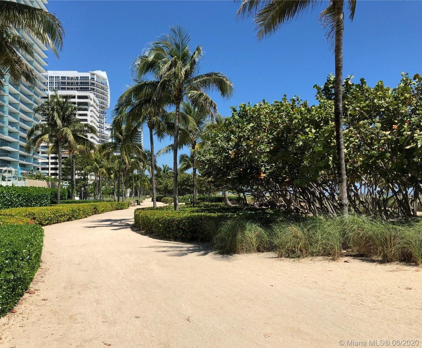 10185 Collins Ave #1209 photo032