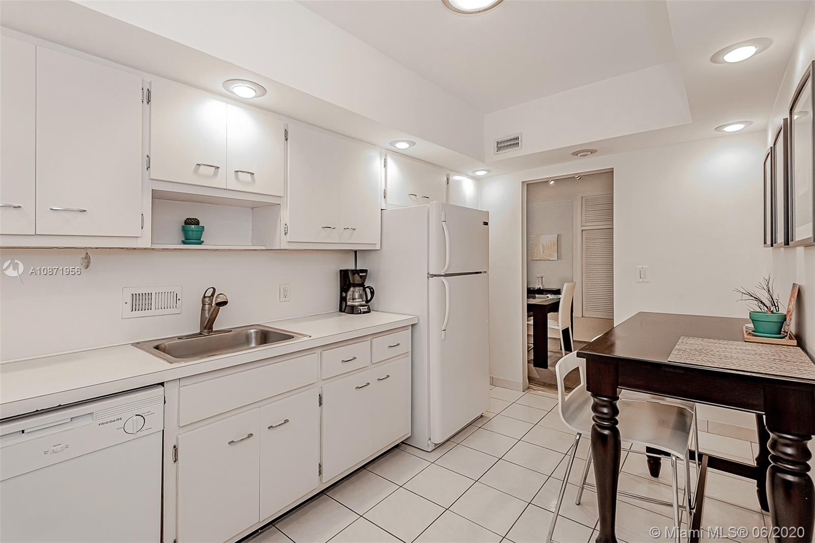 10185 Collins Ave #1209 photo020