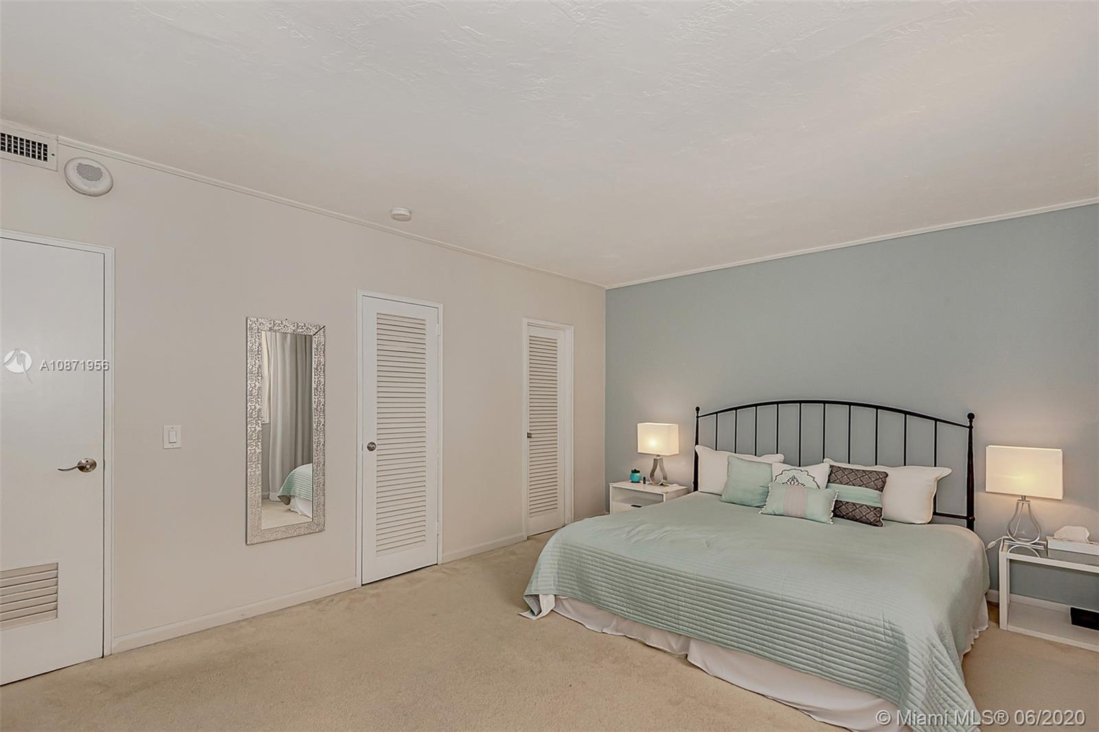 10185 Collins Ave #1209 photo024