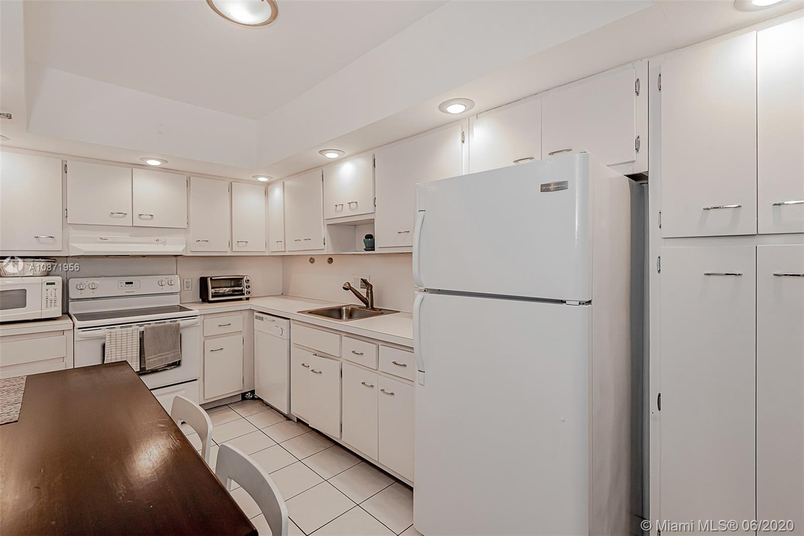 10185 Collins Ave #1209 photo018