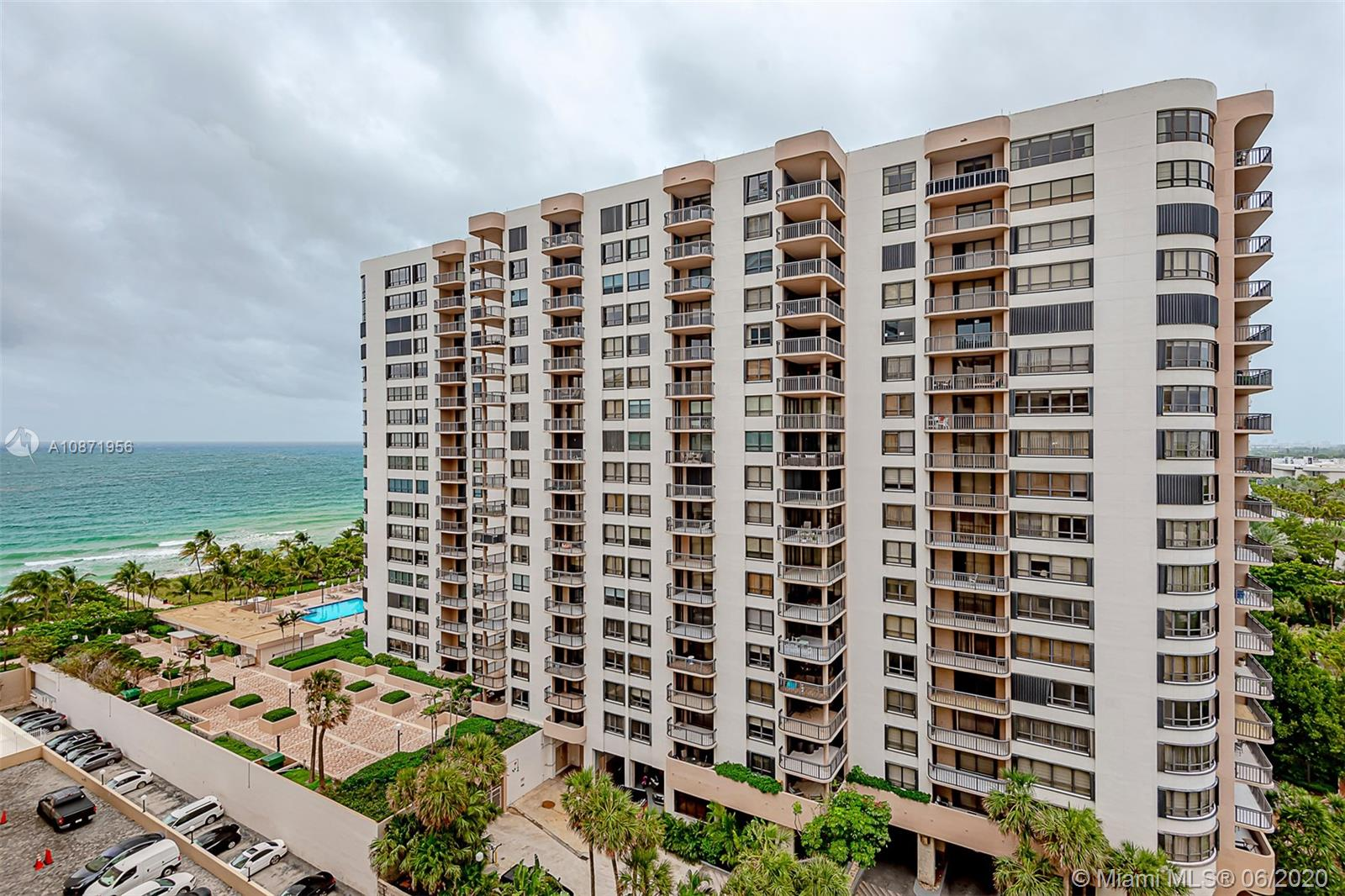 10185 Collins Ave #1209 photo04