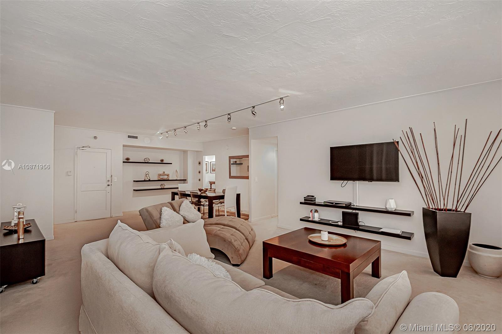 10185 Collins Ave #1209 photo08