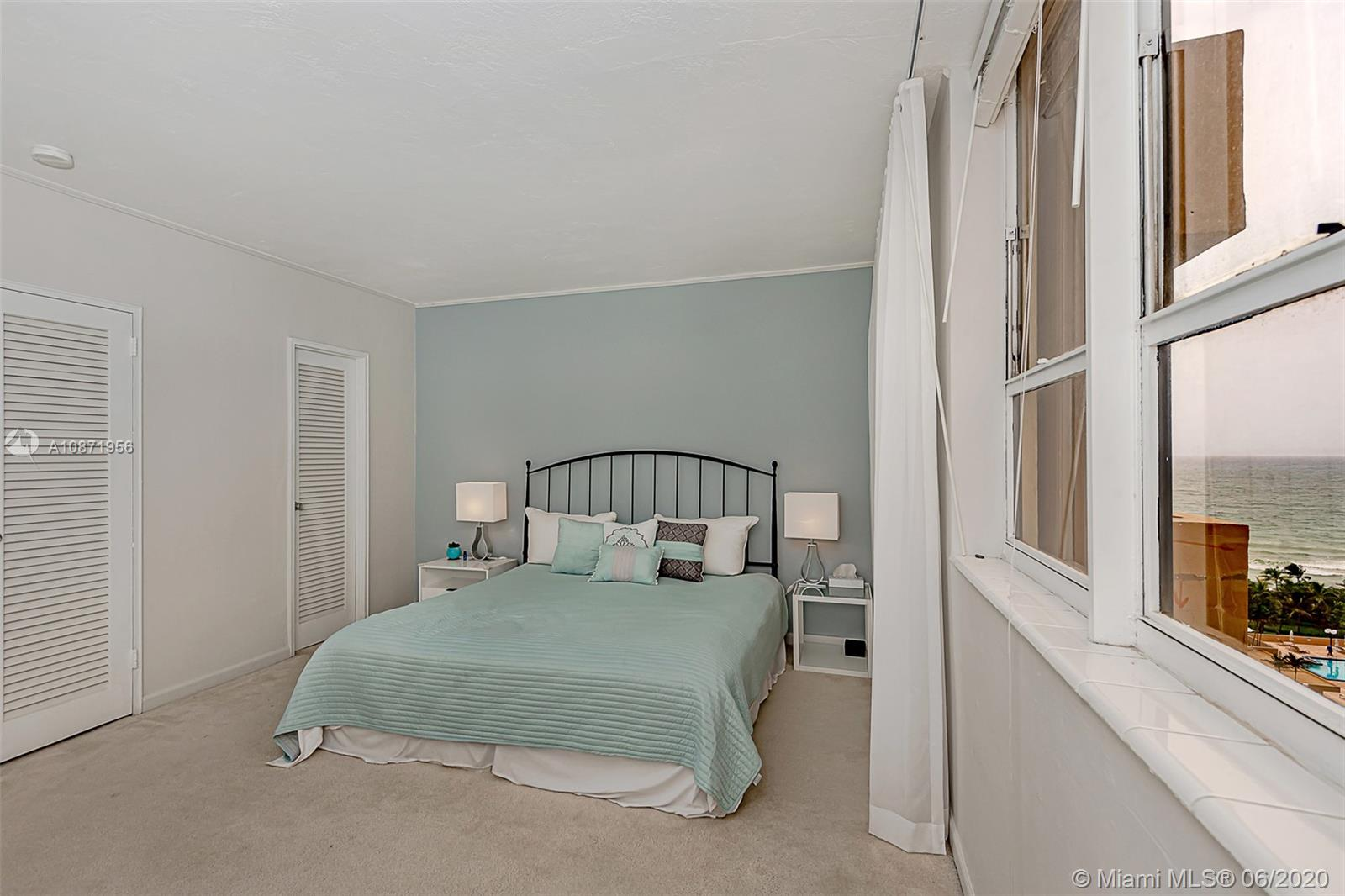 10185 Collins Ave #1209 photo025