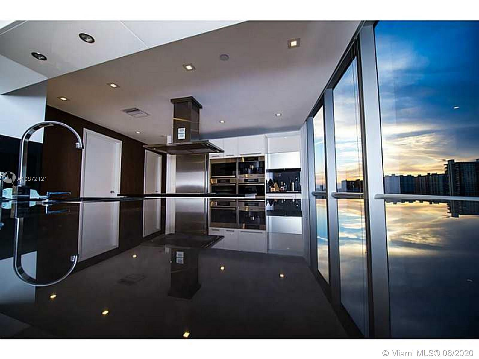 17121 Collins Ave #908 photo032