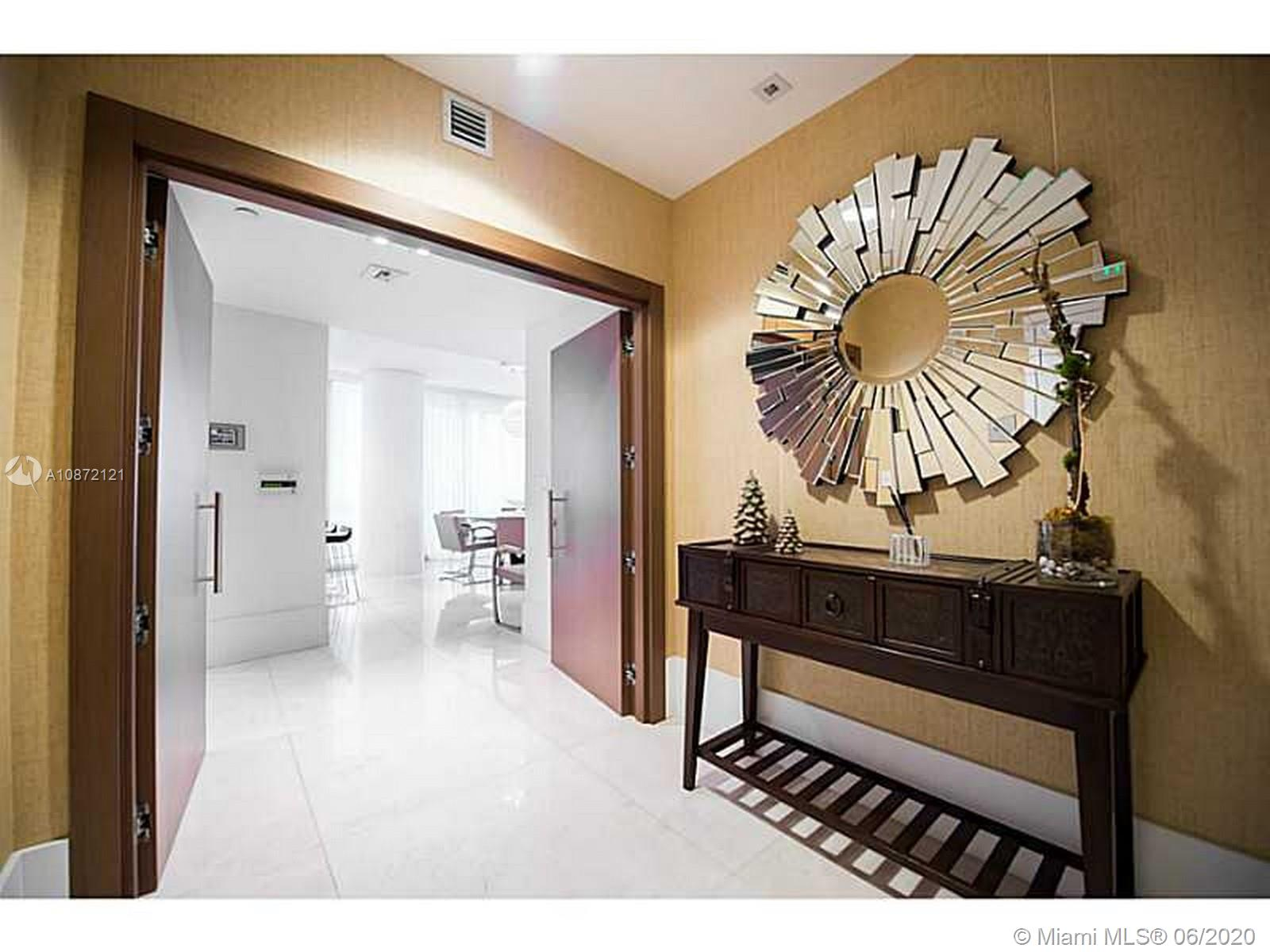 17121 Collins Ave #908 photo028