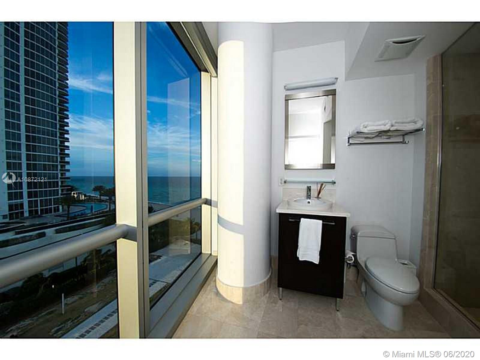 17121 Collins Ave #908 photo020