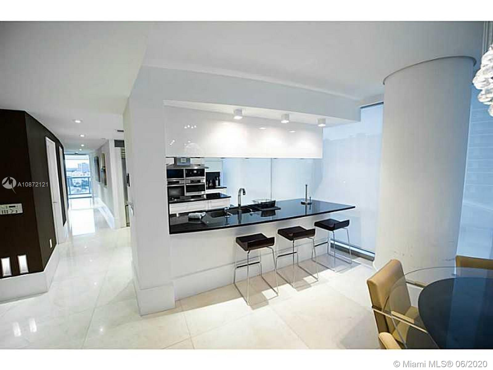 17121 Collins Ave #908 photo034