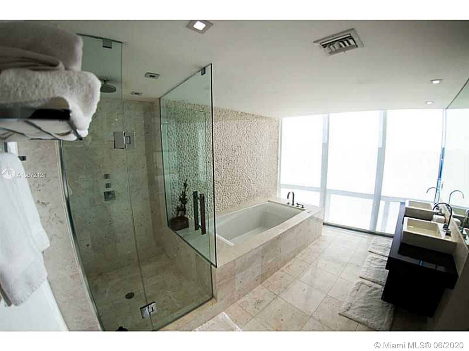 17121 Collins Ave #908 photo018