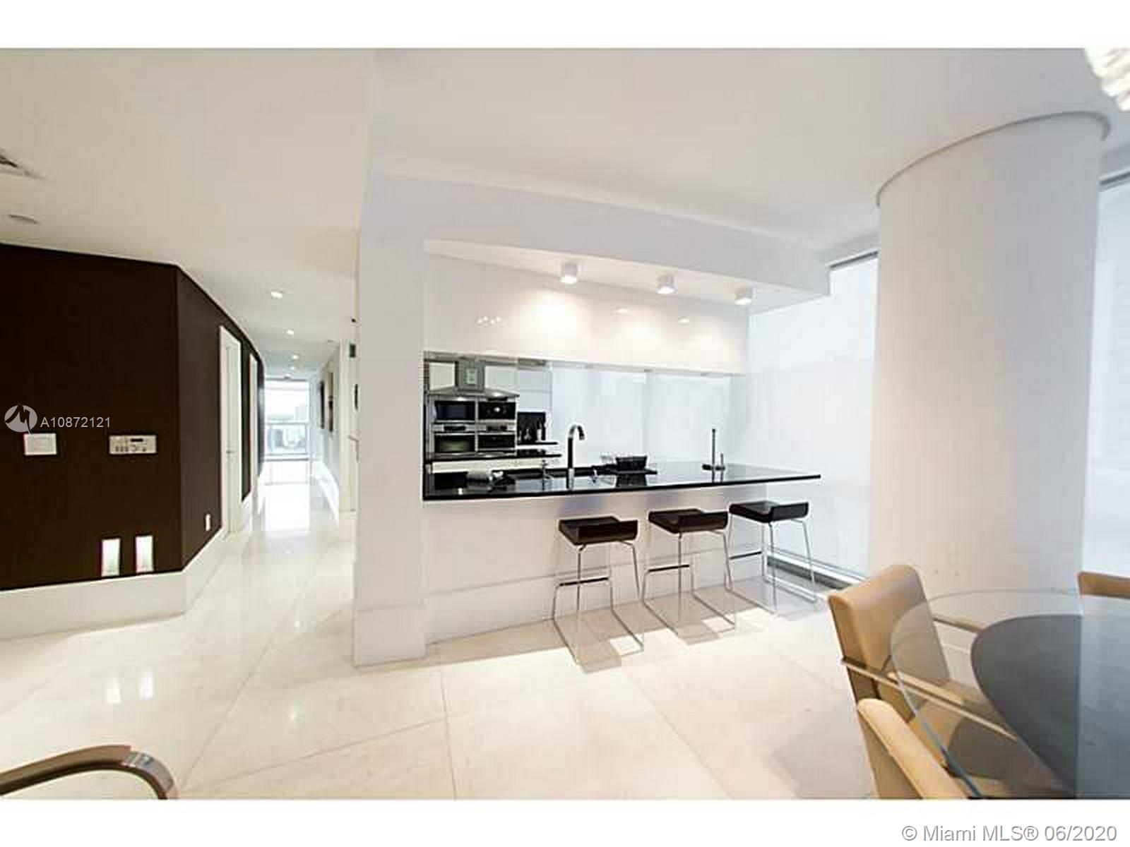 17121 Collins Ave #908 photo08