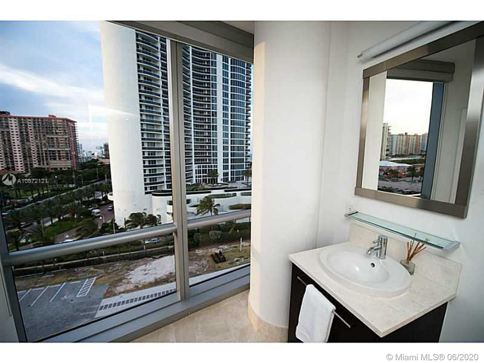 17121 Collins Ave #908 photo025