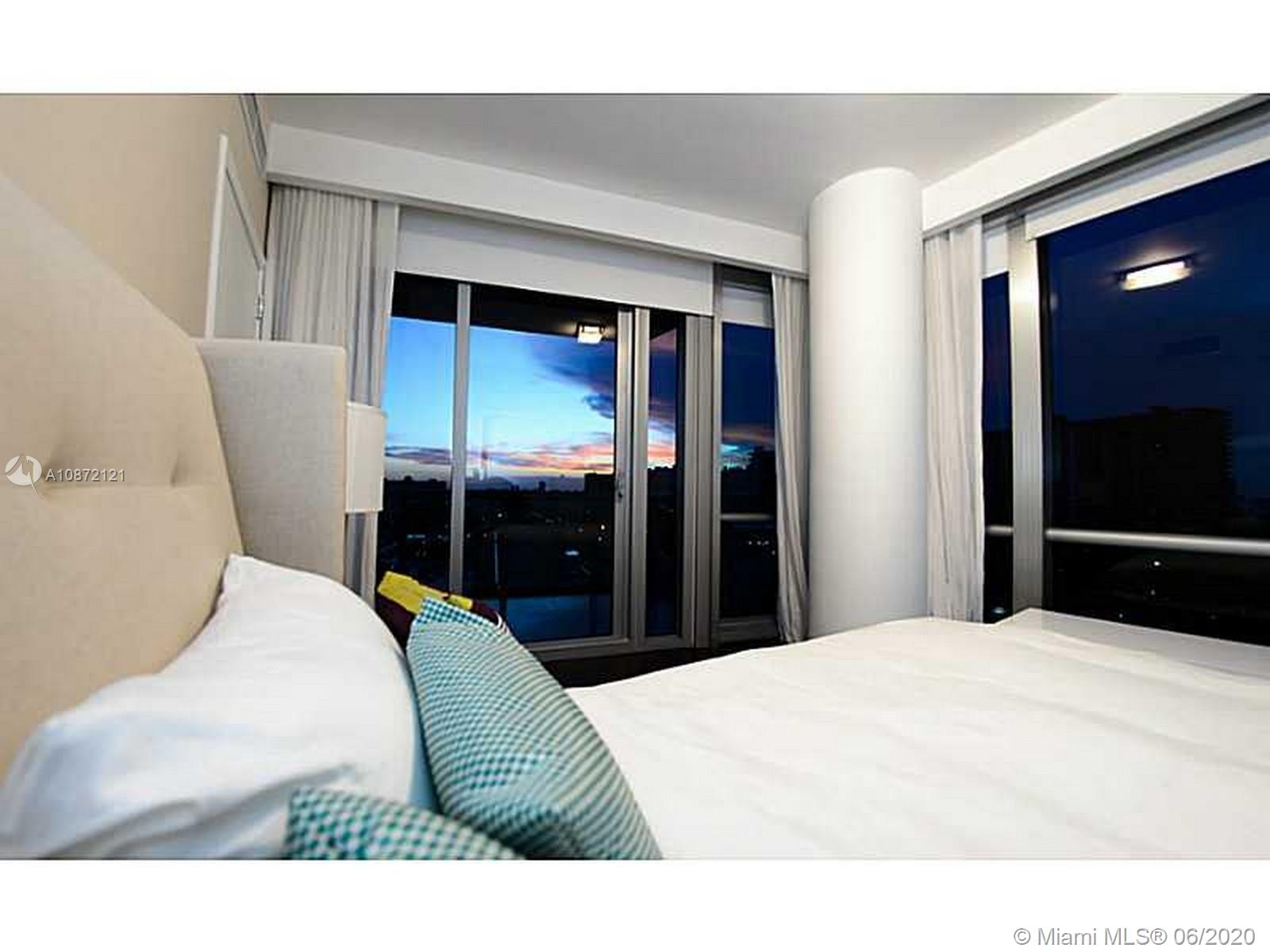 17121 Collins Ave #908 photo021