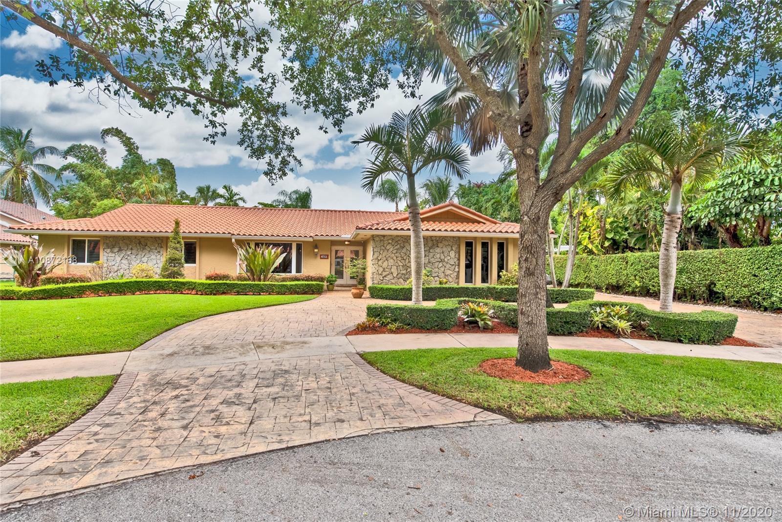 Miami Lakes - 6751 Gleneagle Dr, Miami Lakes, FL 33014
