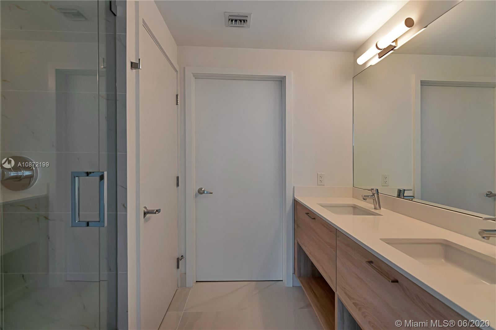 16385 Biscayne Blvd #1517 photo06