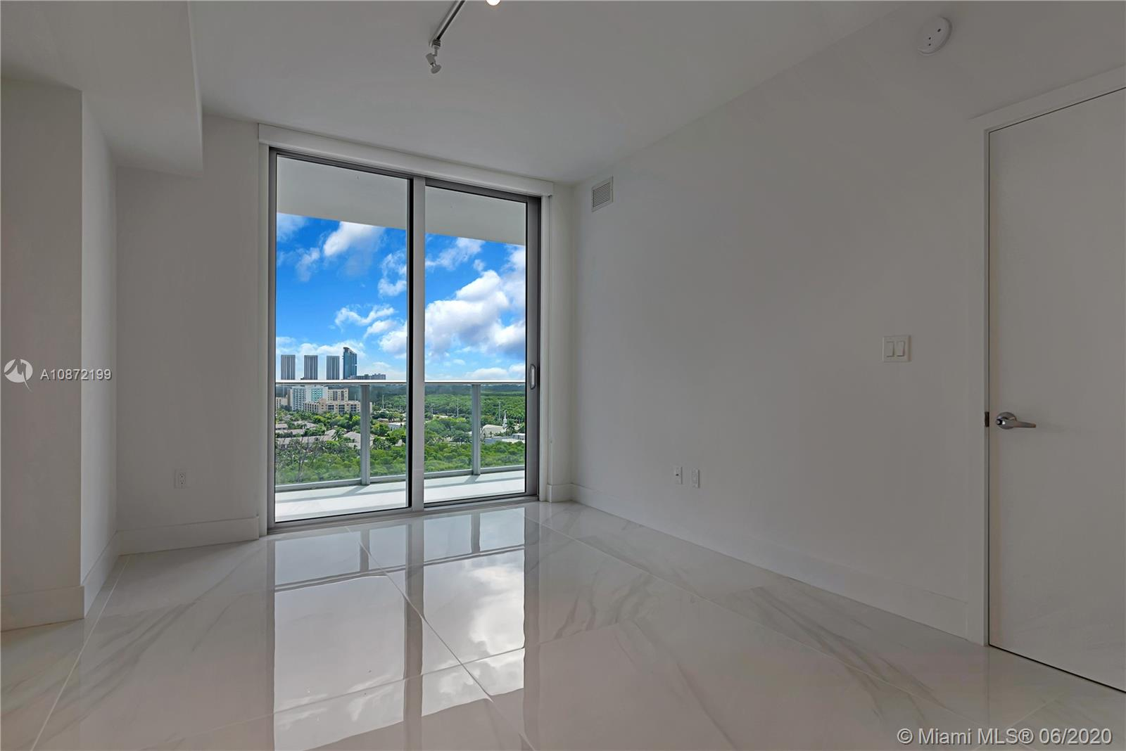 16385 Biscayne Blvd #1517 photo09