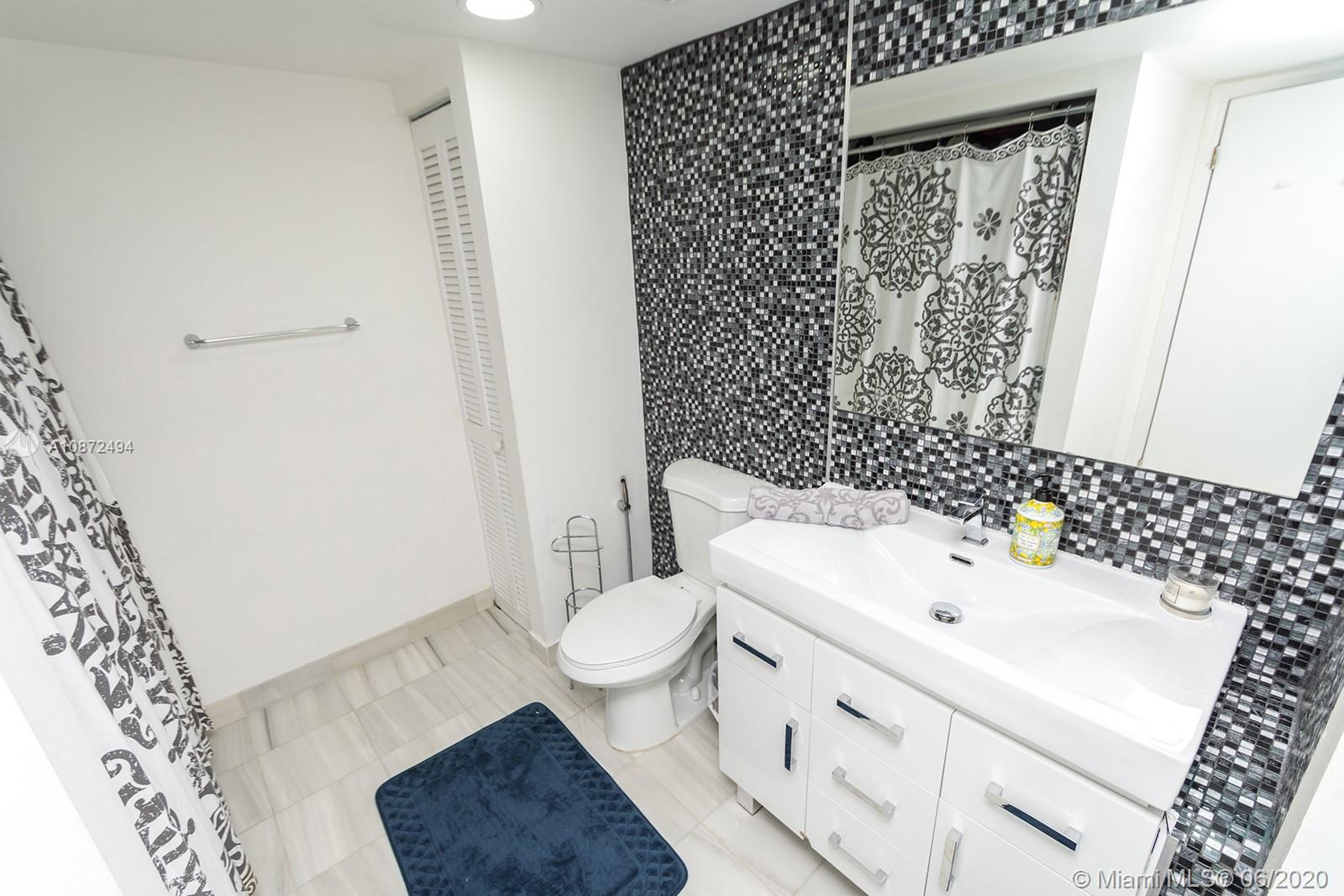 16425 Collins Ave #1515 photo019