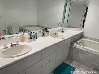 16485 Collins Ave #232 photo015