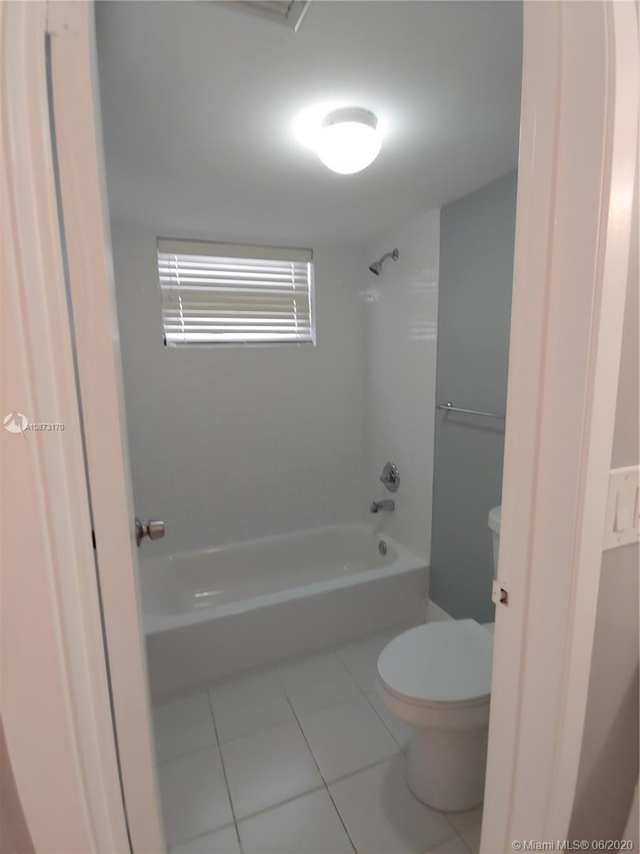 2625 Collins Ave #1208 photo09