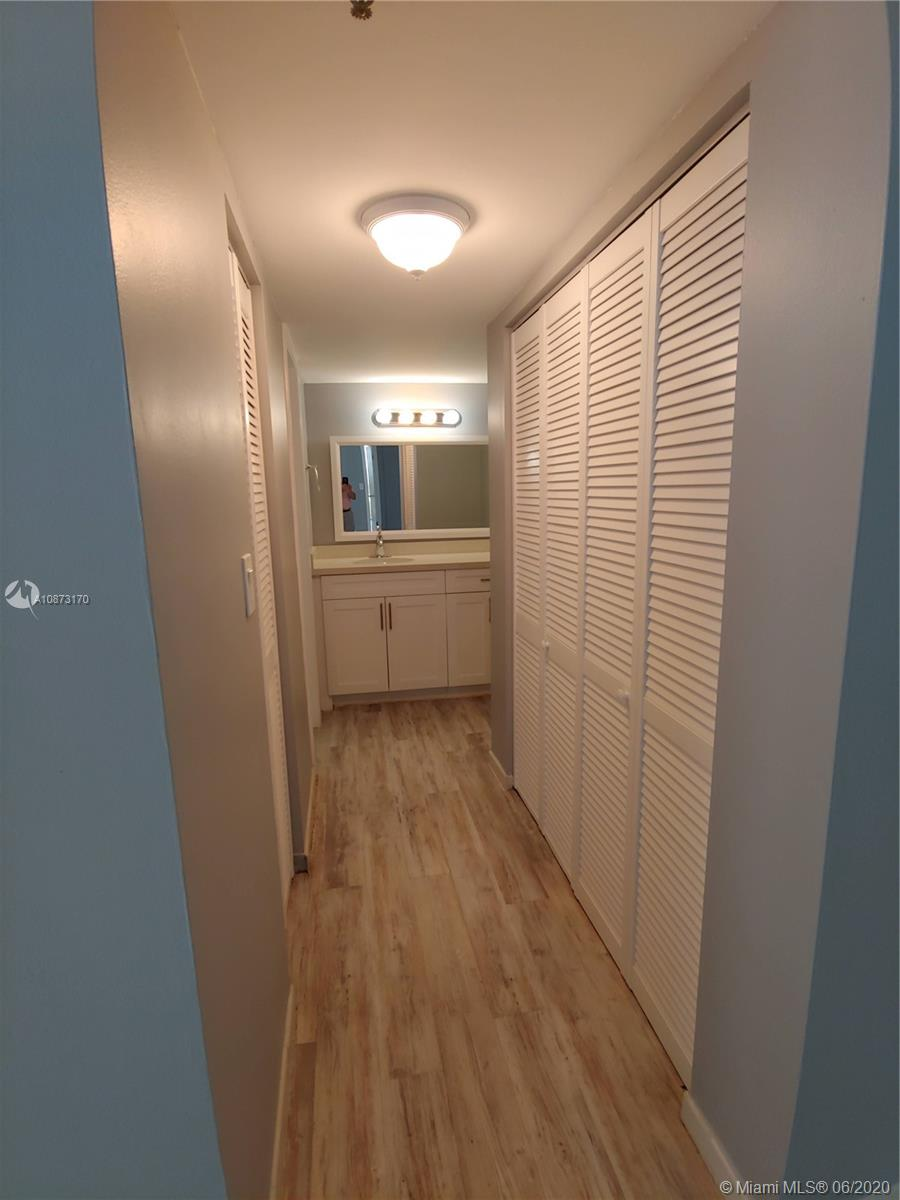 2625 Collins Ave #1208 photo08