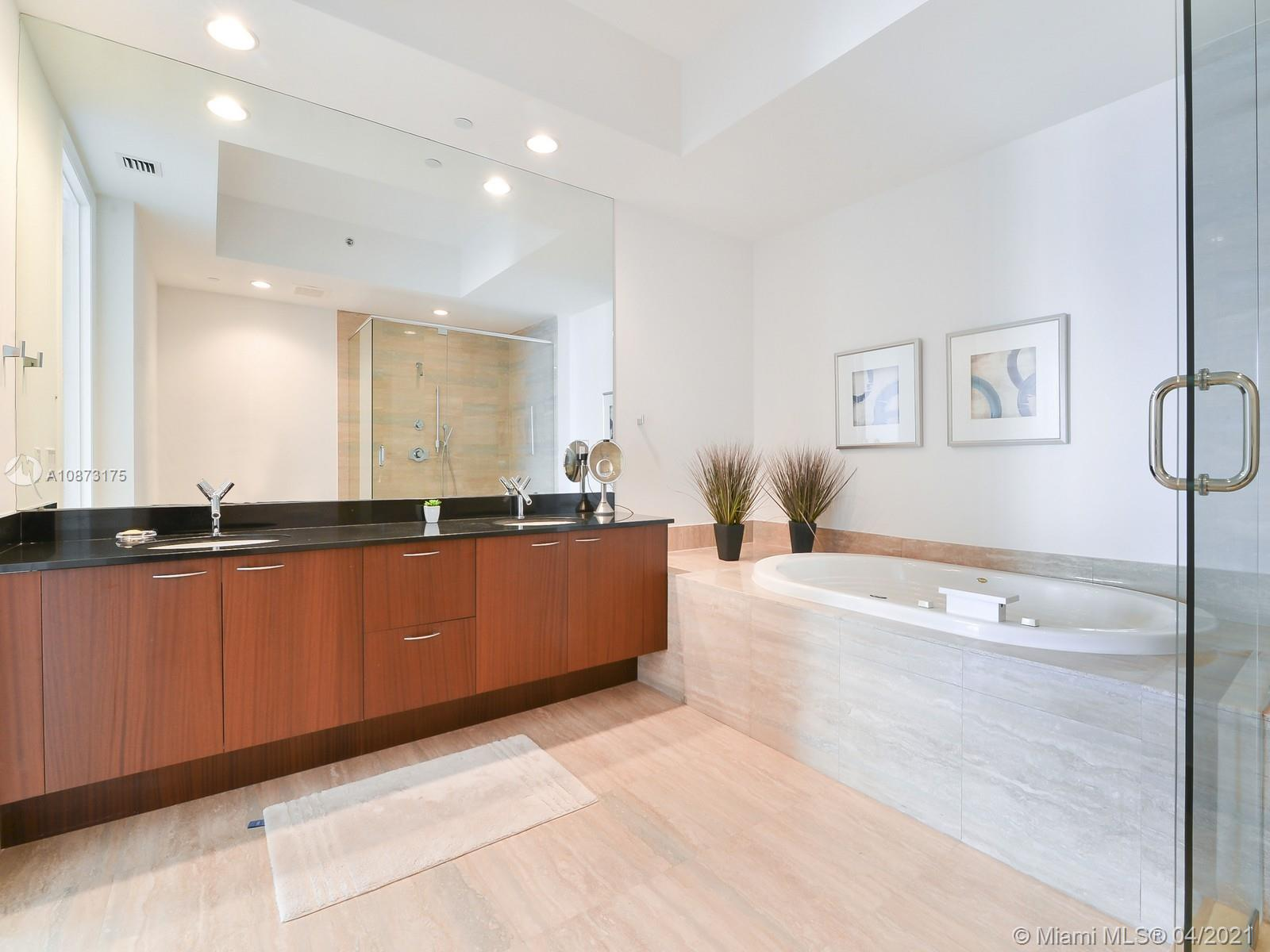 15811 Collins Ave #2703 photo06