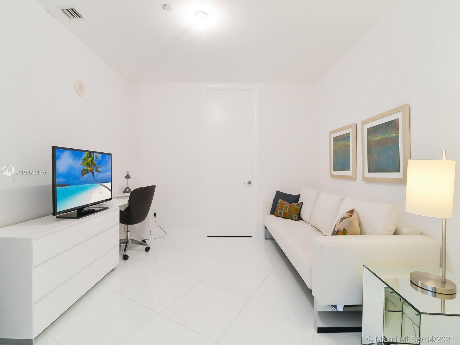15811 Collins Ave #2703 photo010