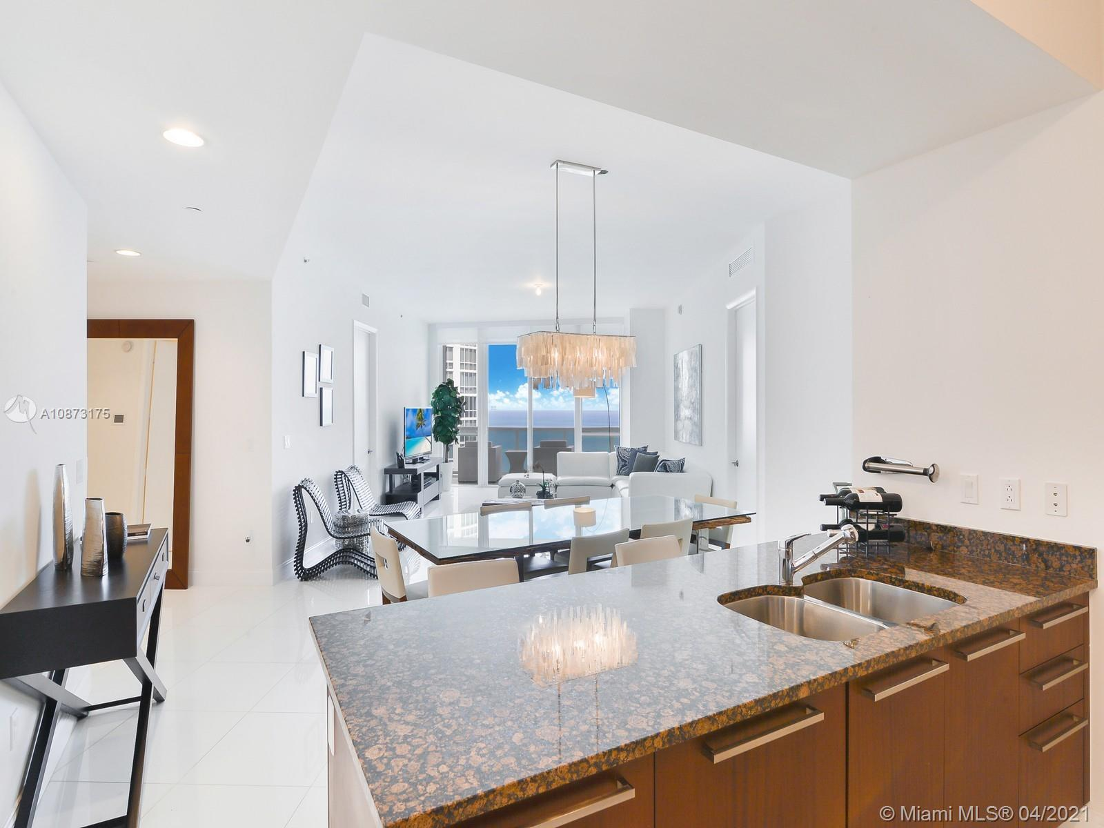 15811 Collins Ave #2703 photo04