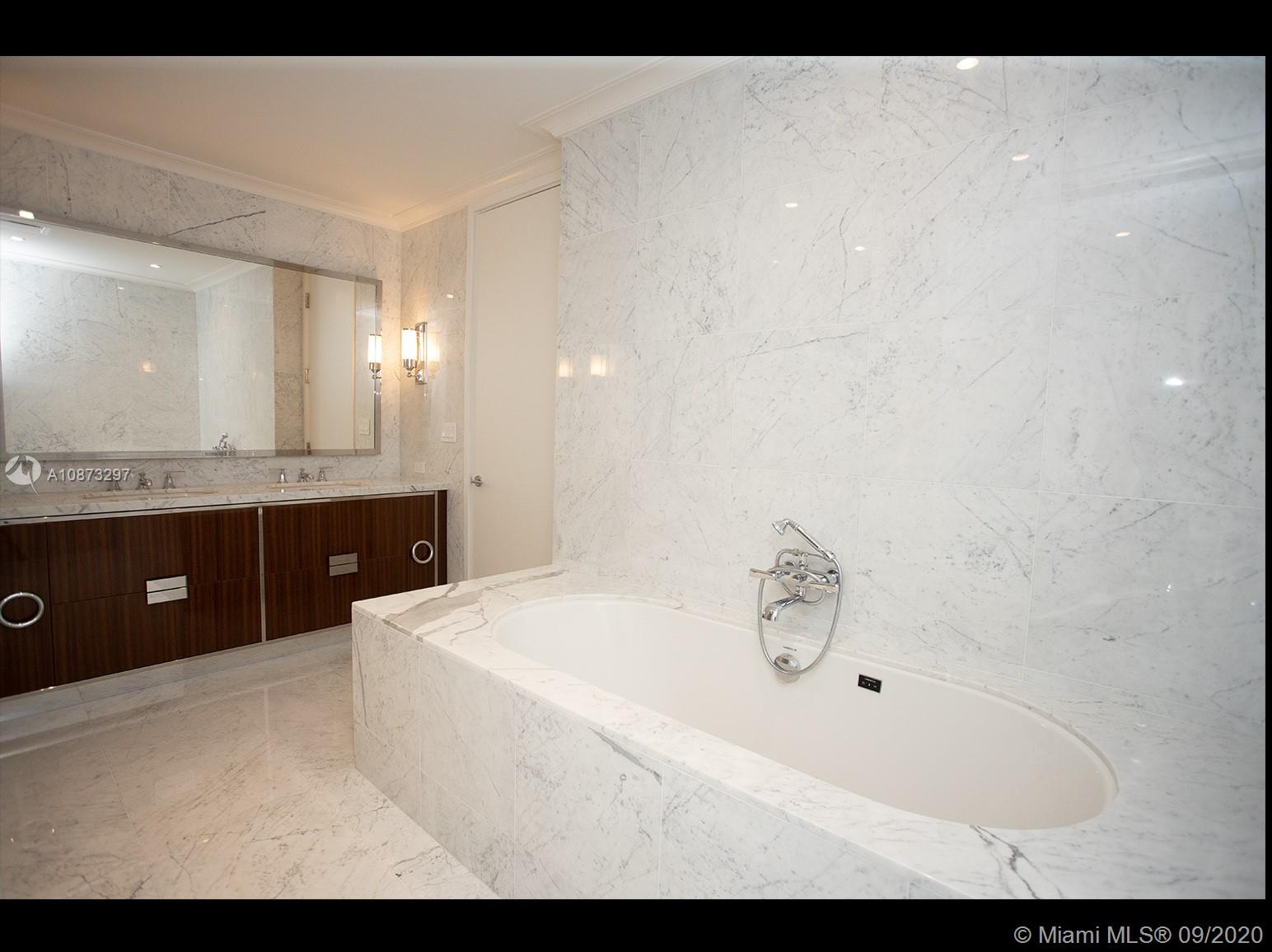 15701 collins ave #1203 photo010