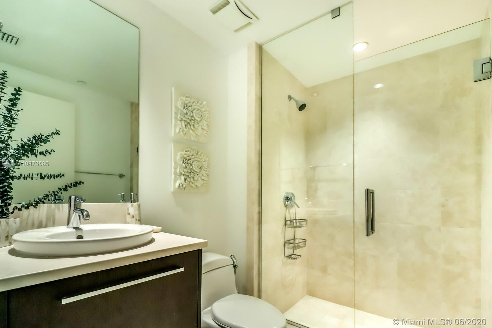17121 Collins Ave #3206 photo08
