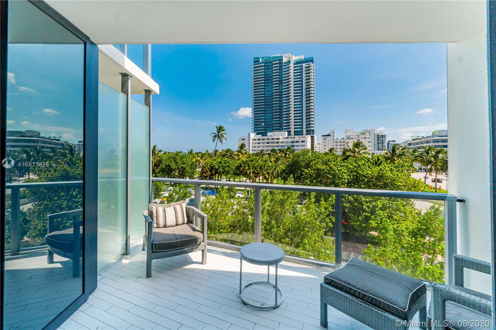 2201 Collins Ave #302 photo07