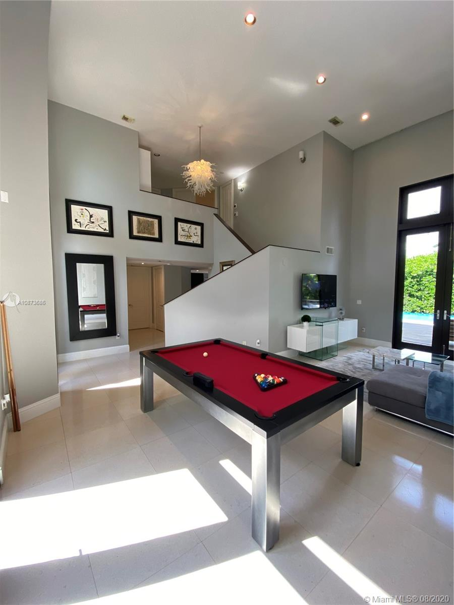 Photo of 1500 NE 13th Ave # listing for Sale