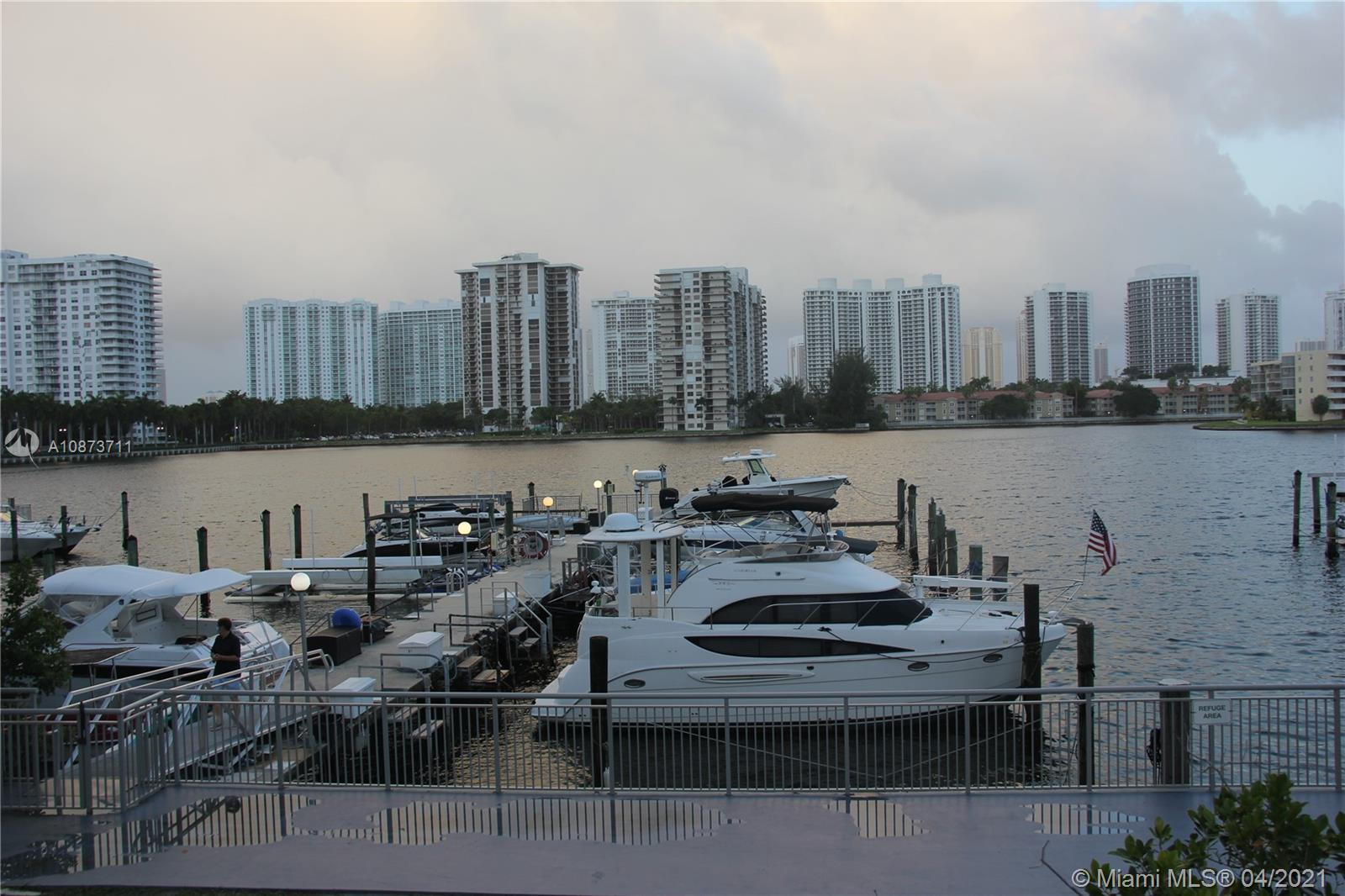 18061 Biscayne Blvd #PH02 photo035