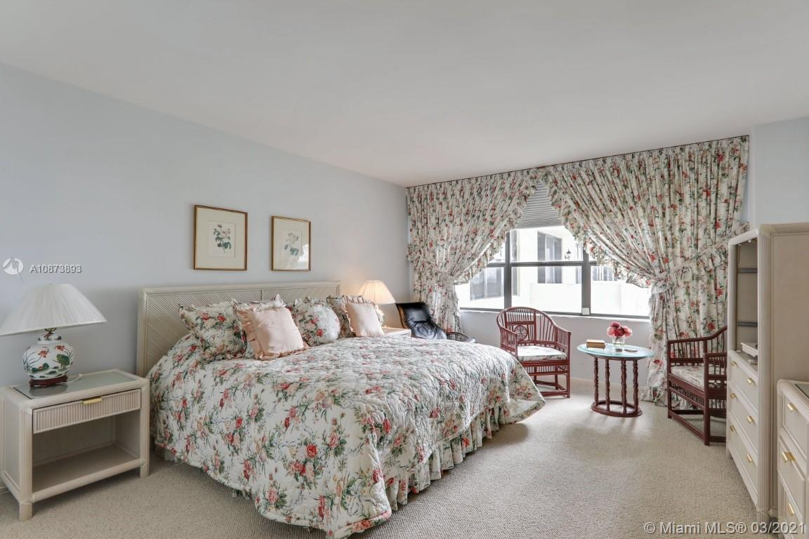 9801 Collins Ave #18N photo013