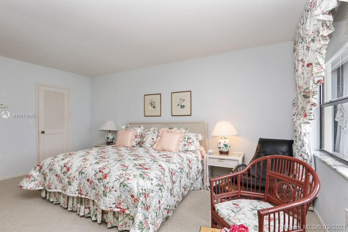 9801 Collins Ave #18N photo022