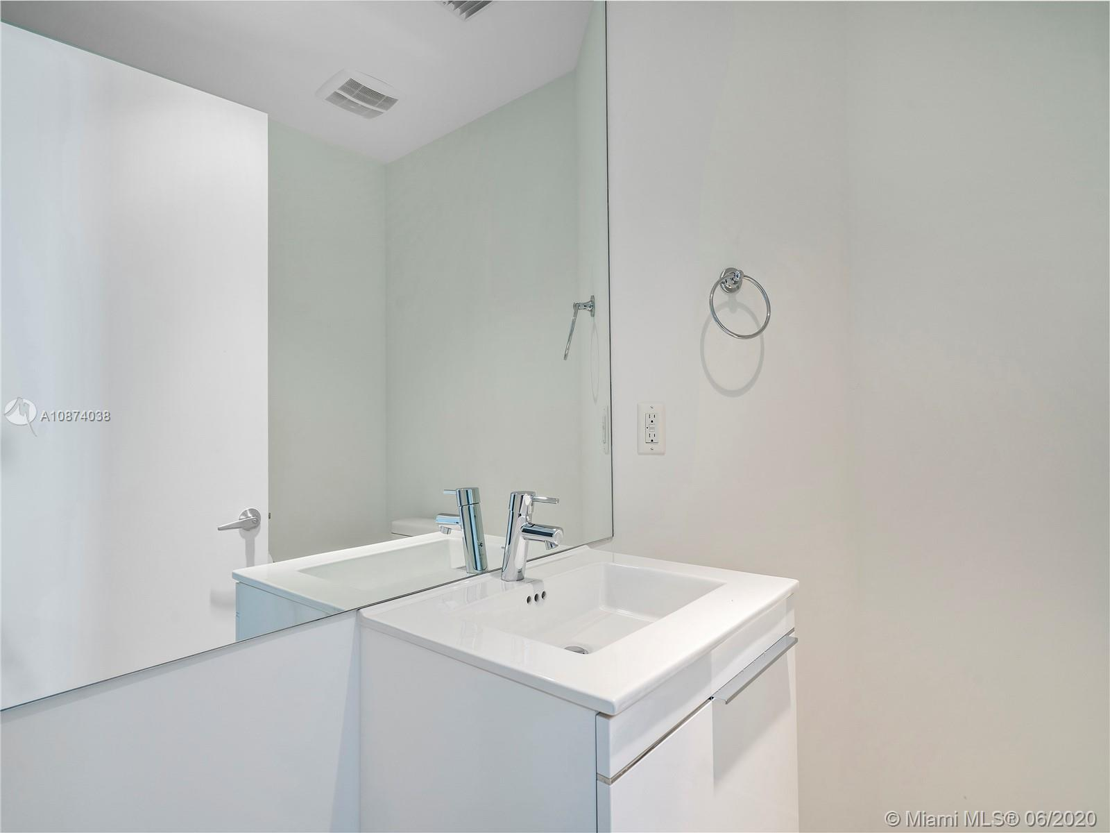 17301 Biscayne Blvd #1105 photo018