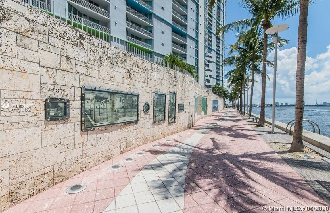 Photo of 325 S Biscayne Blvd #2415 listing for Sale