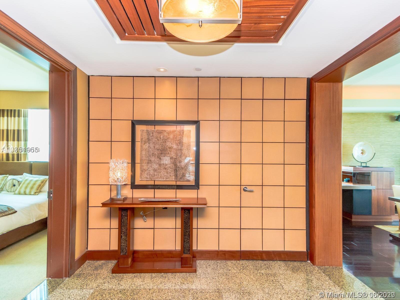 10295 Collins Ave #510 photo03