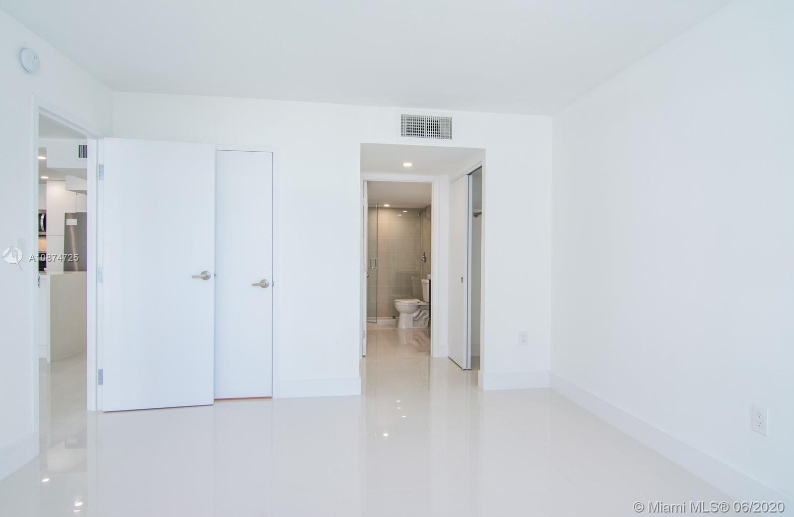 5701 Collins Ave #509 photo013