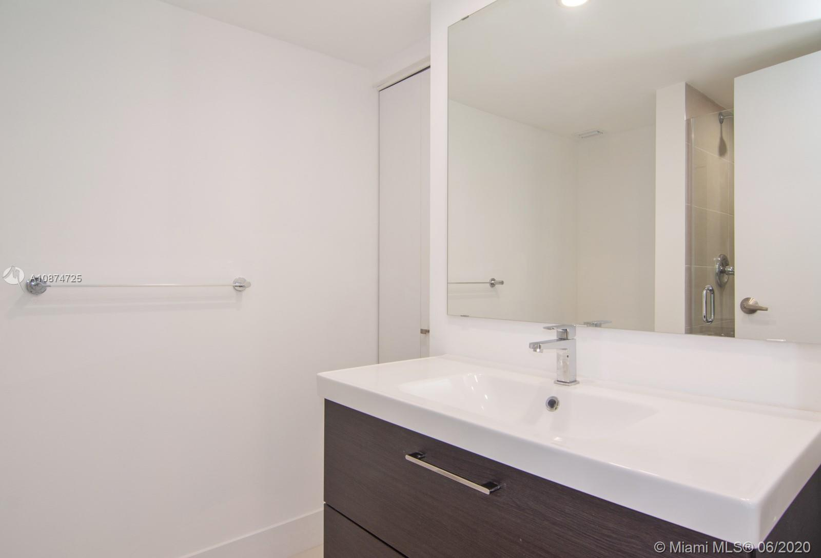 5701 Collins Ave #509 photo07