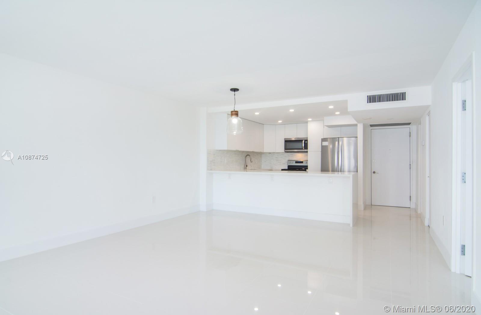 5701 Collins Ave #509 photo05