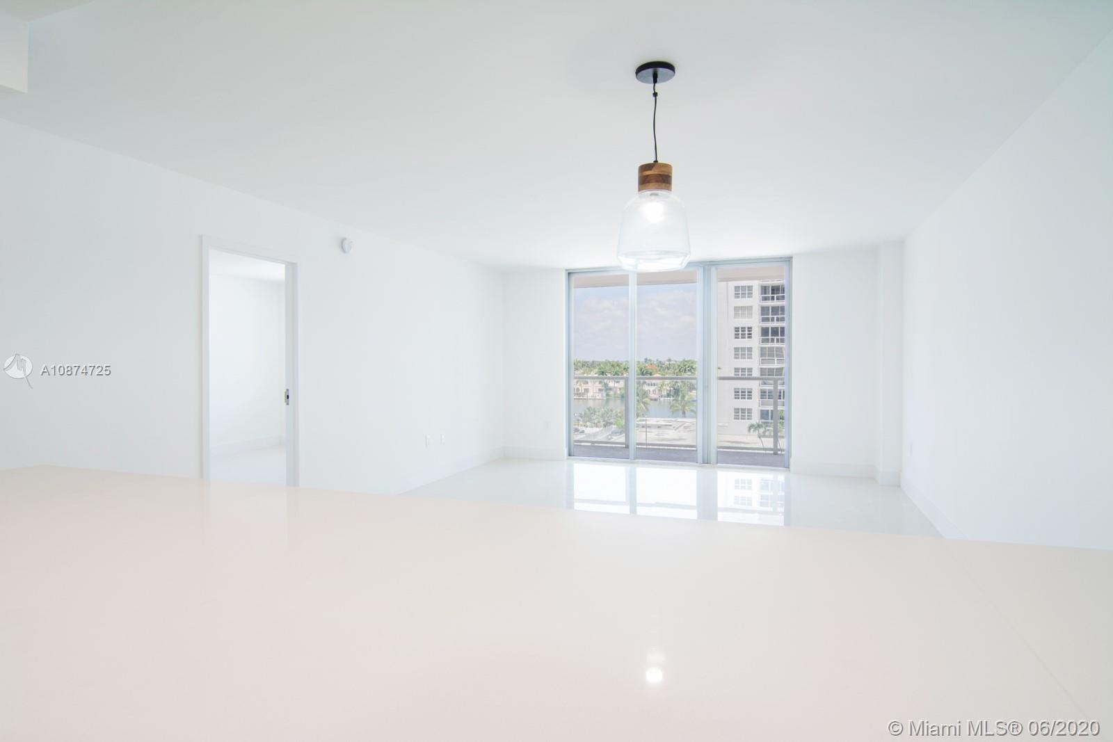 5701 Collins Ave #509 photo010