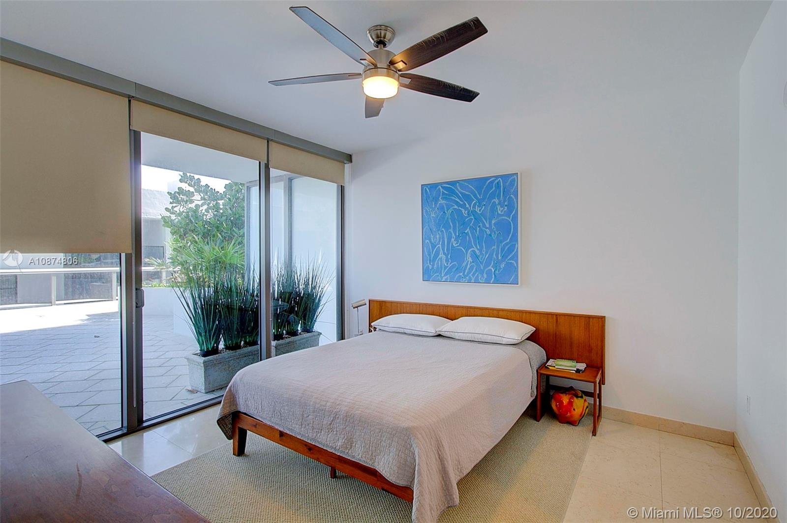 5875 Collins Ave #504 photo011