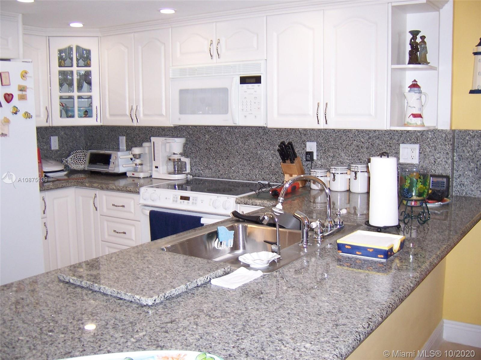 2625 Collins Ave #1203 photo010