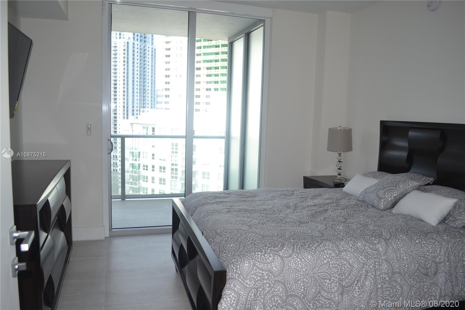 1300 Brickell Bay Dr #2511 photo013