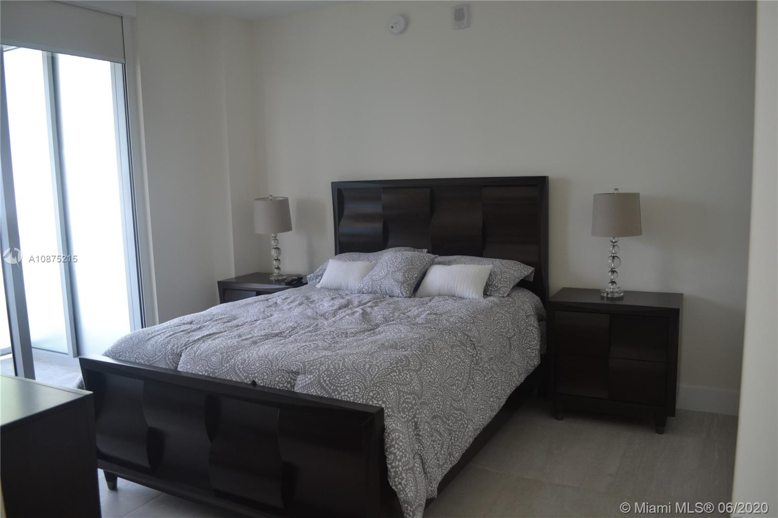 1300 Brickell Bay Dr #2511 photo09