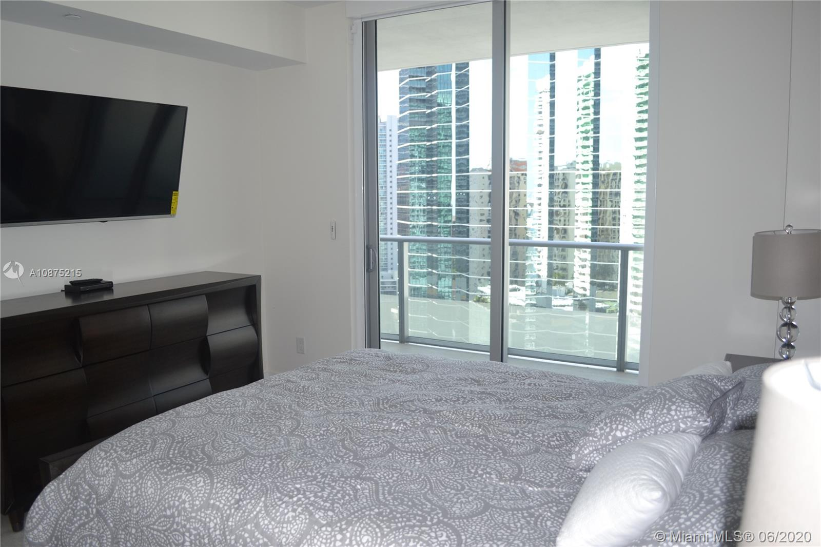 1300 Brickell Bay Dr #2511 photo010