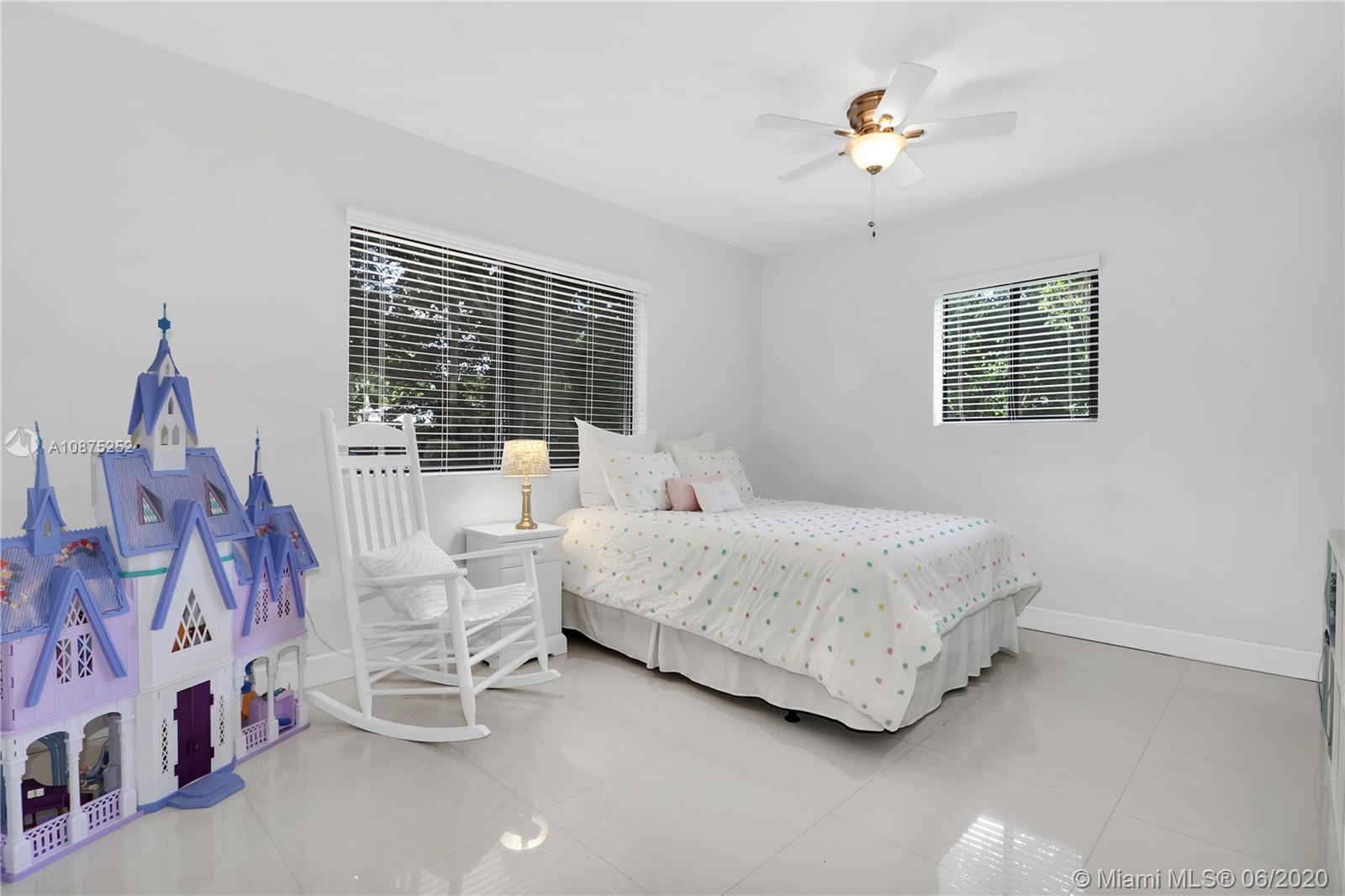 South Miami # - 14 - photo