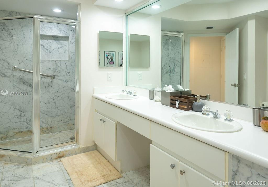 16400 Collins Ave #1442 photo019
