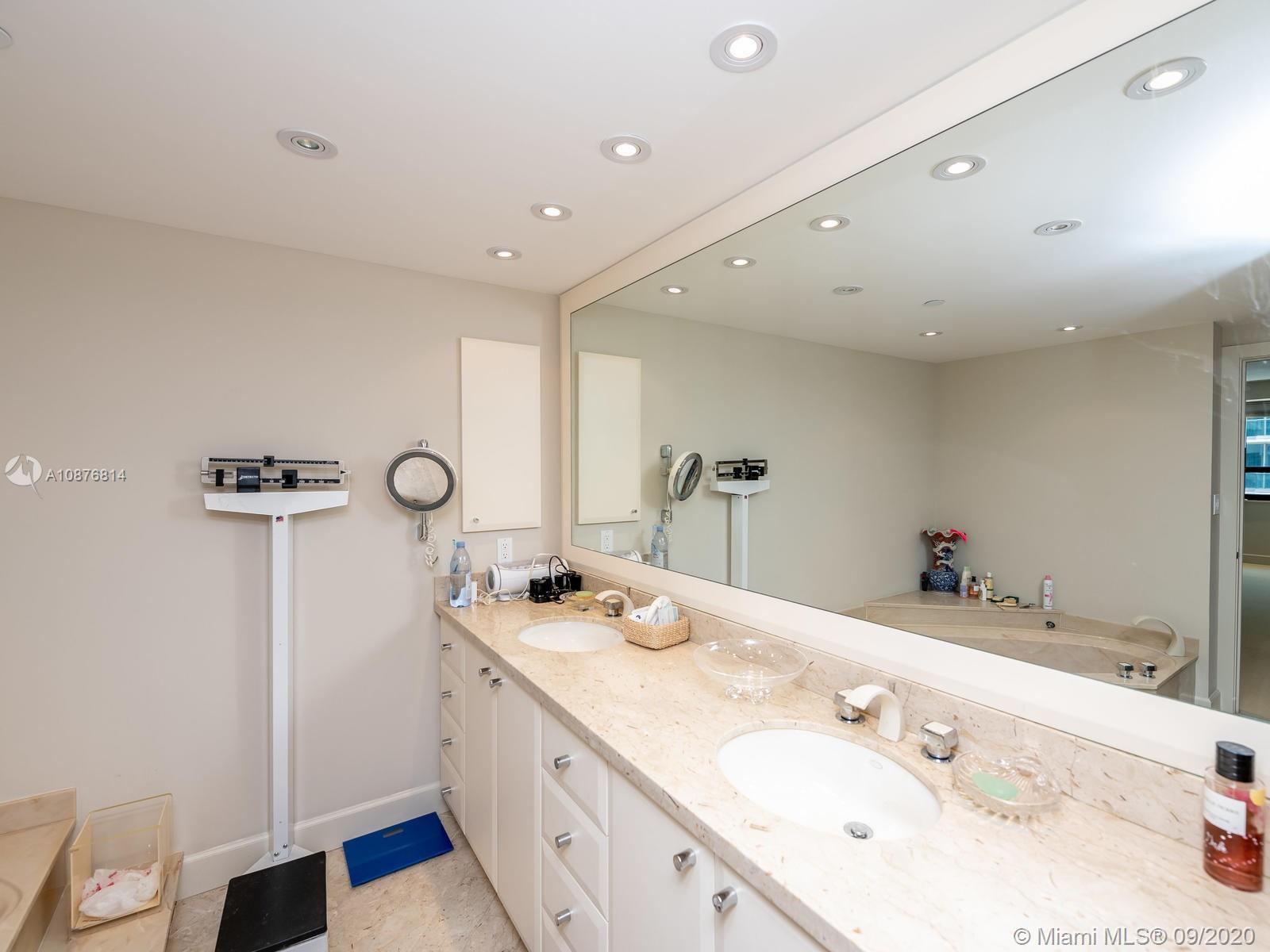 10205 Collins Ave #1009 photo049