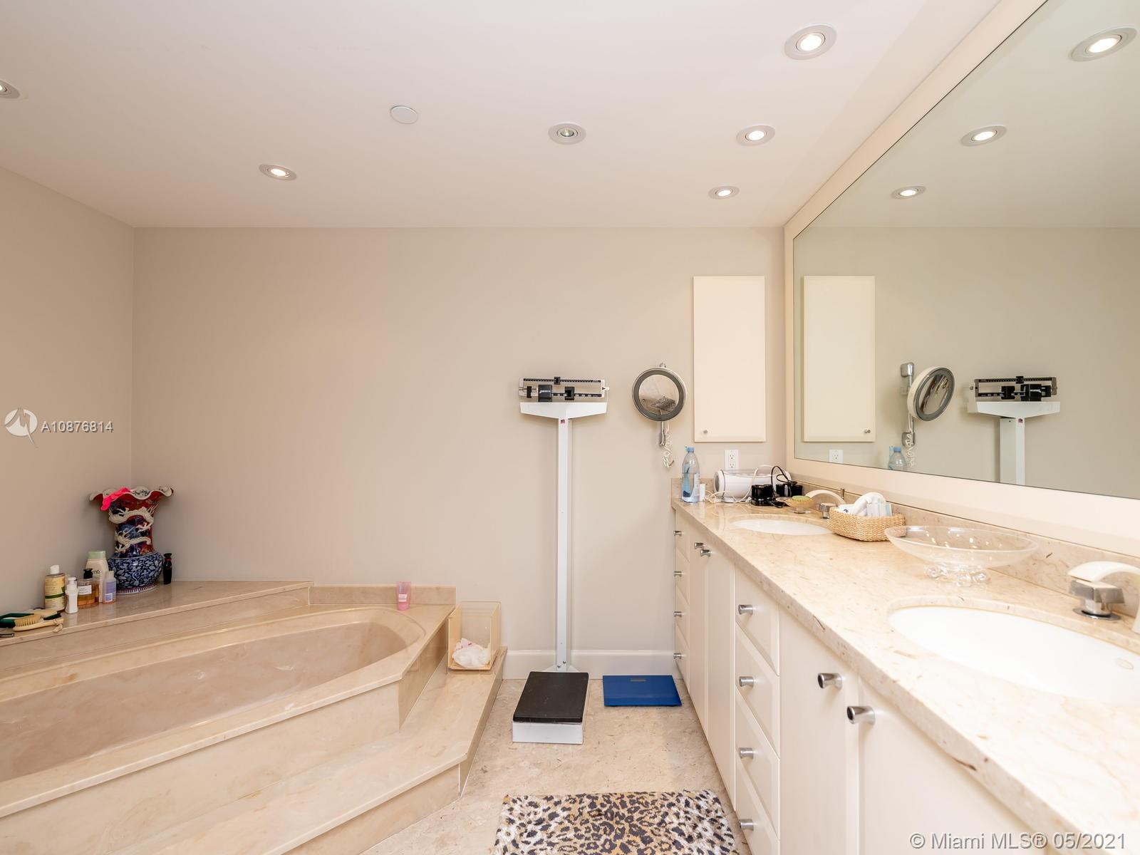 10205 Collins Ave #1009 photo050
